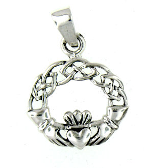 model AP767-73 claddagh pendant enlarged view