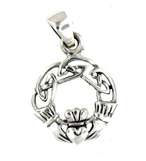 model AP767-75 claddagh pendant enlarged view