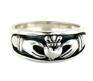 AP767-84 sterling silver claddagh ring